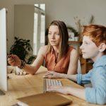Ouderlijk toezicht instellen: 4 manieren die schermtijd verminderen
